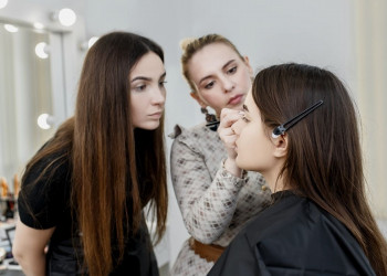 How Long Does Beauty School Take? featured image